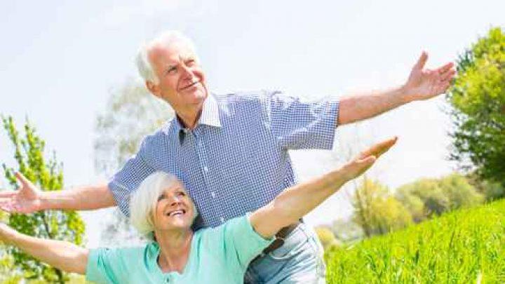 coule retraités heureux