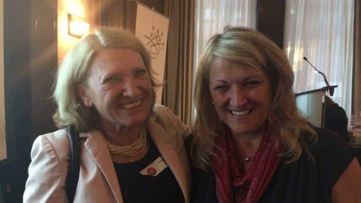 Jacqueline Arbogast et Lise Thériault Vice-ministre au 35ème anniversaire du RFAQ à Montréal